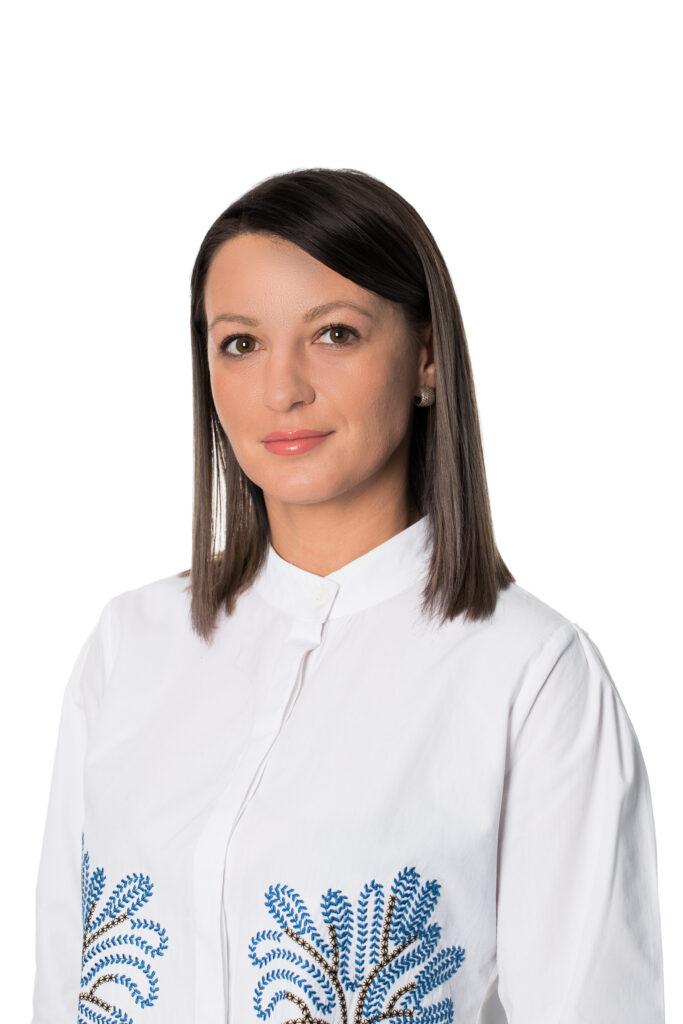 Andra DUMBRAVĂ